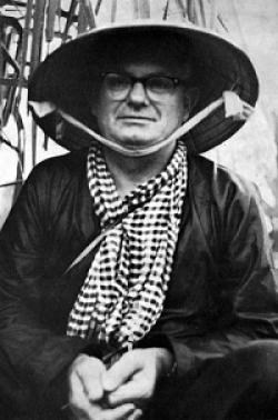 Ký Giả Wilfred Burchett Viết Về Cụ Hồ Chí Minh
